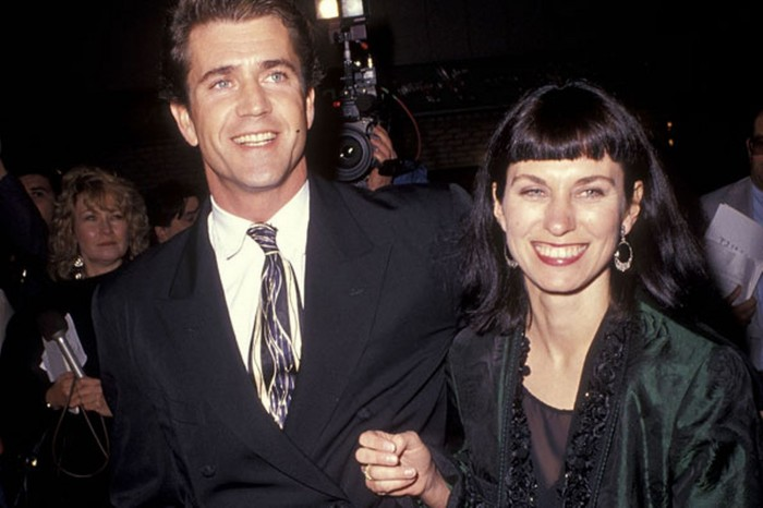 mel-gibson-and-robyn-moore-in-1990-pic-getty-616777179