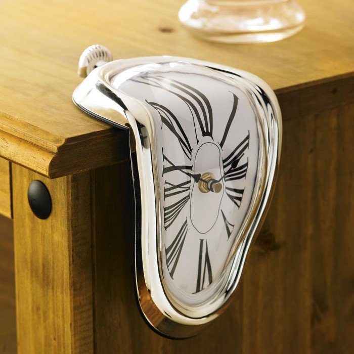 melting_clock_lifestyle_1000