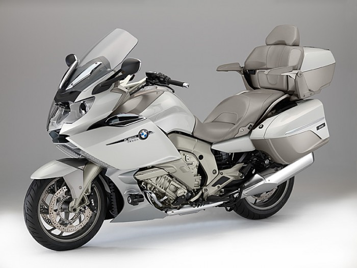 2014-BMW-K1600GTL-Exclusive-lt-qrtr