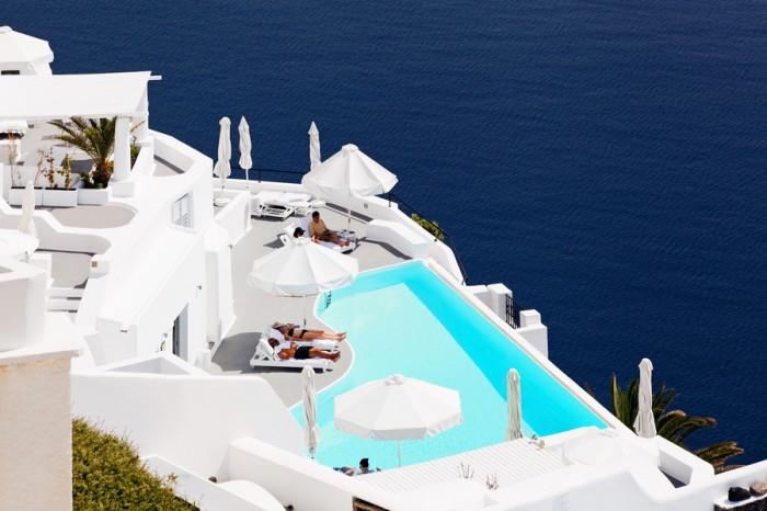 Infinity-Pool-Katikies-Hotel