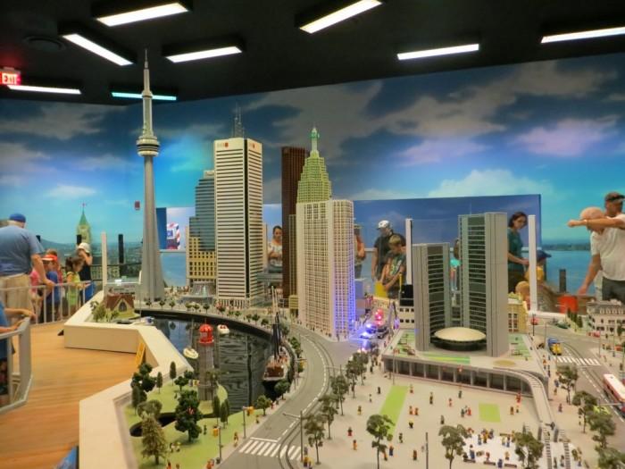 MINILAND-Toronto-at-LEGOLAND-Discovery-Centre-Toronto-1024x768
