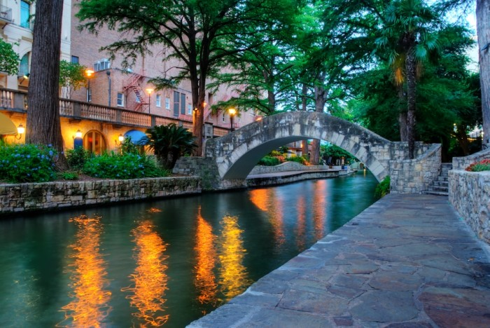 SA Riverwalk bridge HDR - Version 2