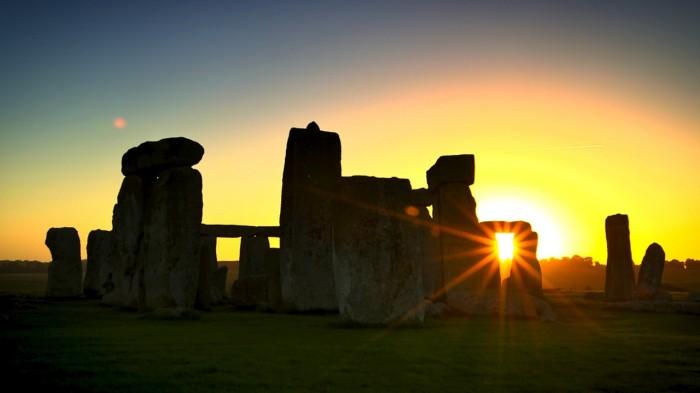StonehengeSunrise