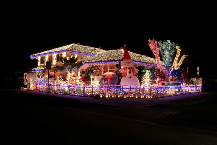 christmas-decorations-online-contest-winner-orange-ca