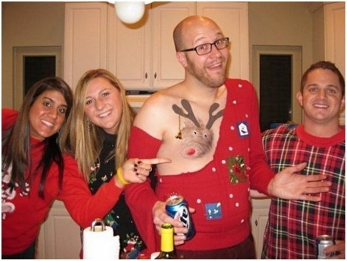 christmas-sweaters2010-640x481