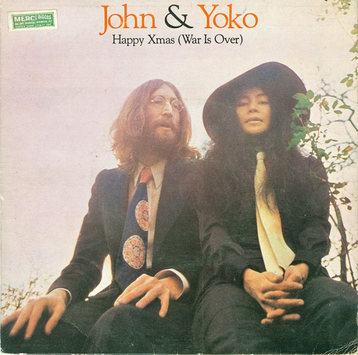 john-and-yoko-the-plastic-ono-band-with-the-harlem-community-choir-happy-xmas-war-is-over-apple-2
