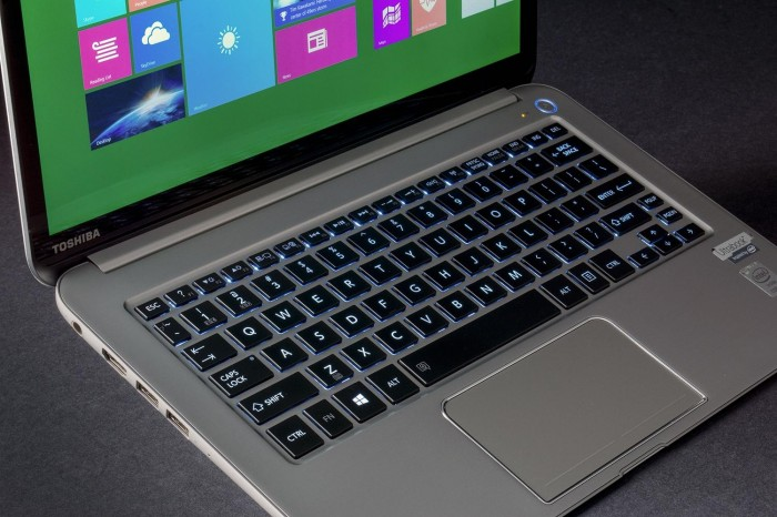 toshiba-kirabook2014-review-keyboard-1500x1000