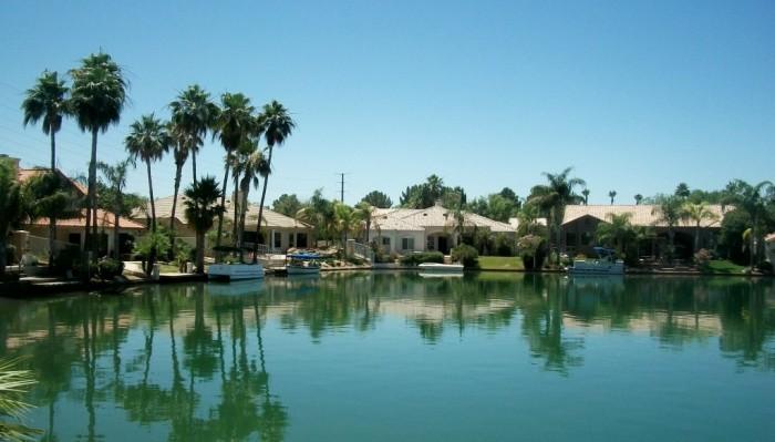 Gilbert-AZ-Waterfront-Lot-Homes-for-Sale-Gilbert-Waterftont-Real-Estate-1024x585