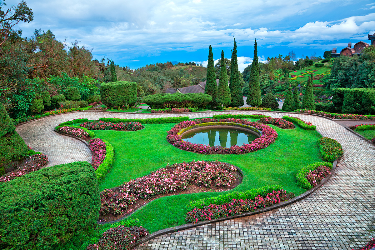 Top 10 best well paid odd jobs you can work in for Best landscape architects
