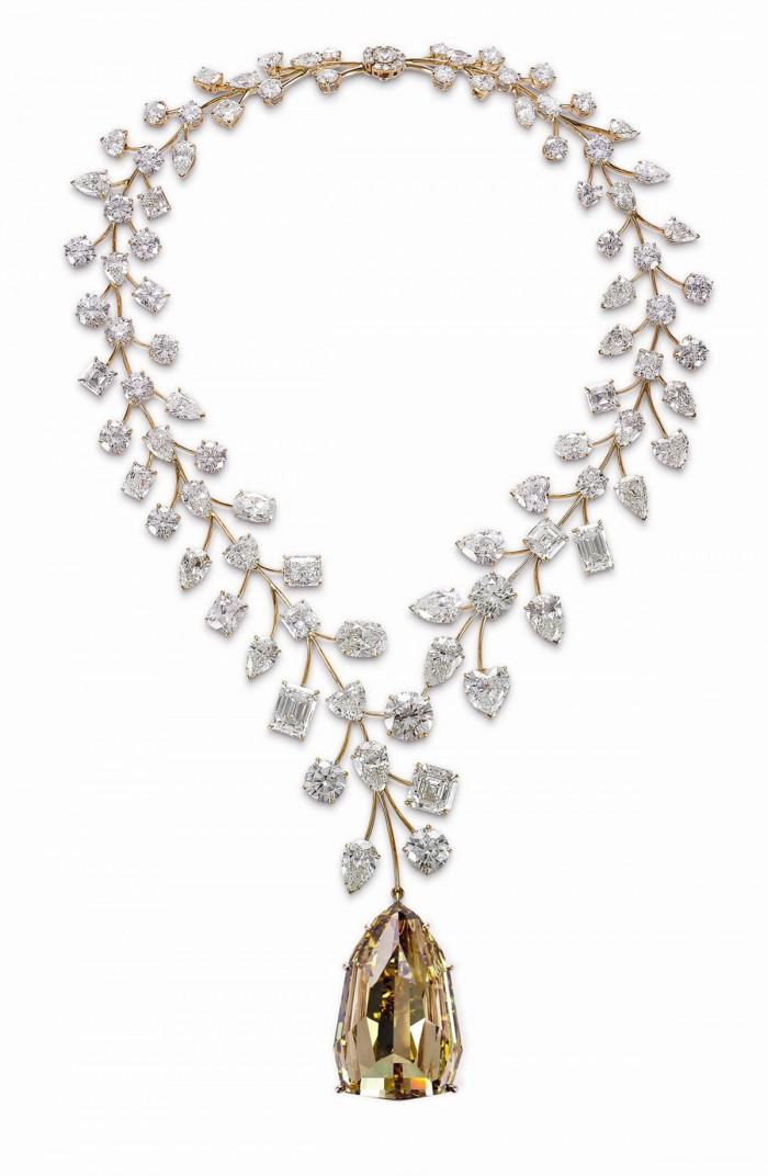 Mouawad-L'Incomparable-Diamond-Necklace-4