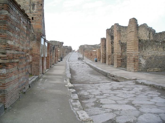 Pompeii-street-03