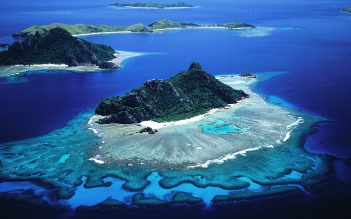 Split-View-–-Galapagos-Islands-6