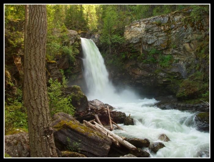Sutherland_Falls_by_Katjakay