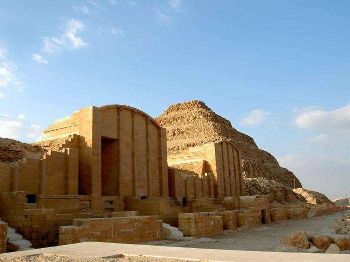 Visit-Giza-Pyramids--Memphis---Sakkara-Tour-in-Cairo