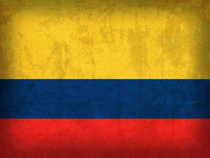 colombia-flag-vintage-distressed-finish-design-turnpike