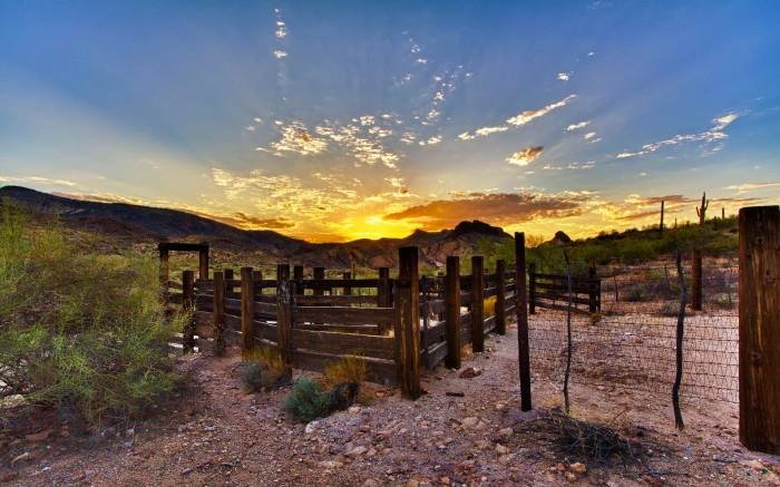 sunset-outskirts-of-phoenix-arizona