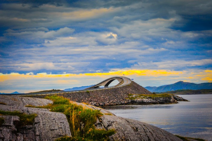 the-atlantic-road-molde-to-kristiansund-norway-34374-1385242204