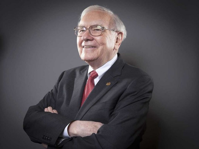 top 10 most influential & greatest leaders Warren Buffett-013