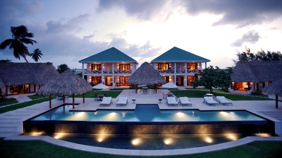 000354-01-exterior-villas-pool-dusk