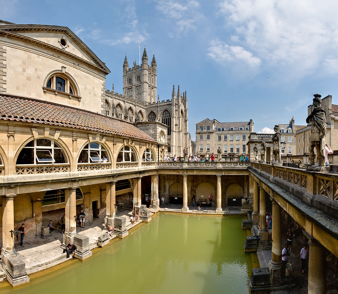 1177px-Roman_Baths_in_Bath_Spa,_England_-_July_2006