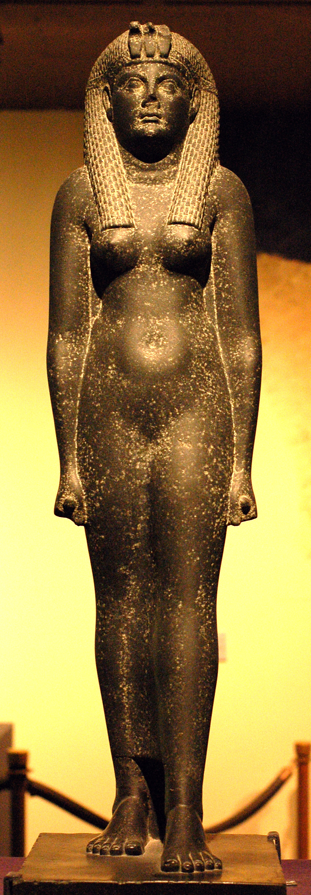 Cleopatra_statue_at_Rosicrucian_Egyptian_Museum