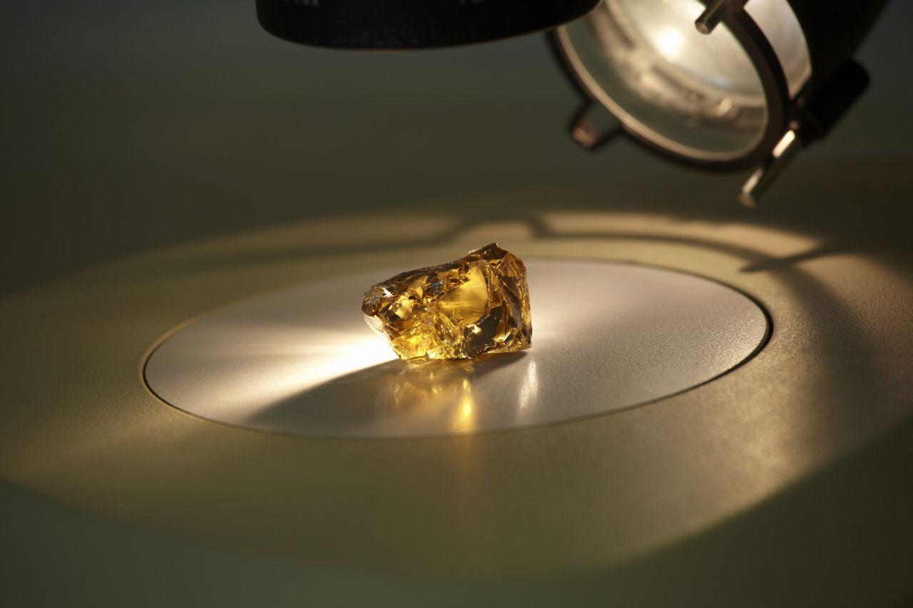 Diamond ALROSA 136,35 ct[1]
