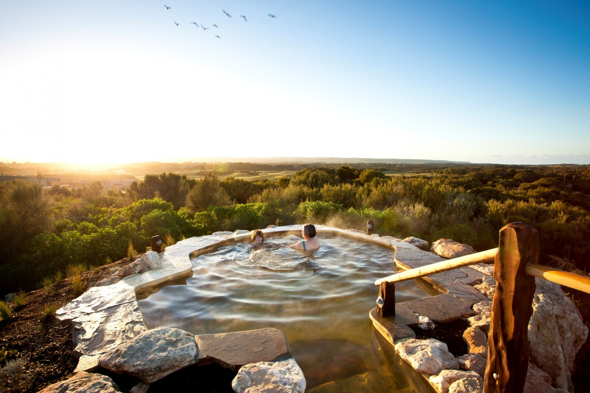 Hill-Top-Pool-Sunrise-Birds-Peninsula-Hot-Springs-m-e1366253122703