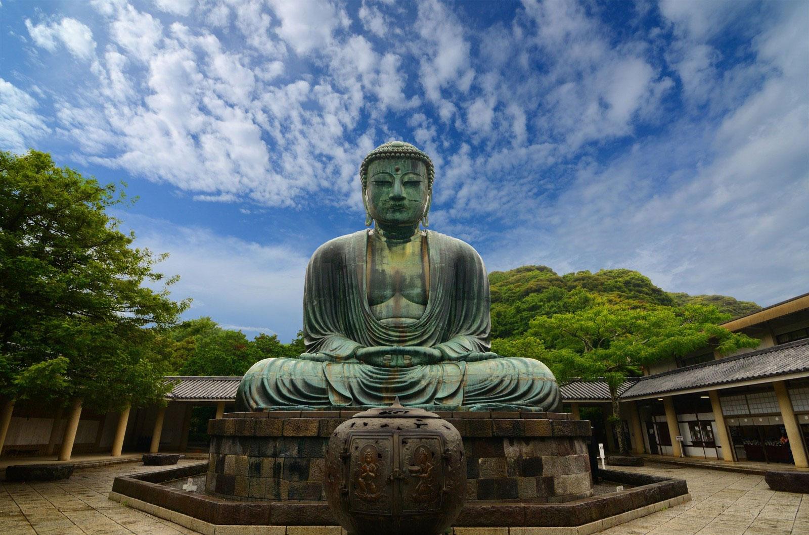 The-Great-Buddha-Daibutsu-Kotokuin-Temple-Kamakura-Japan