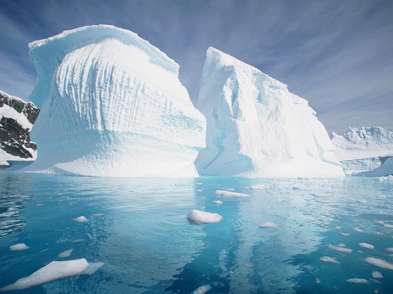 pleneau-island-antarctic-peninsula