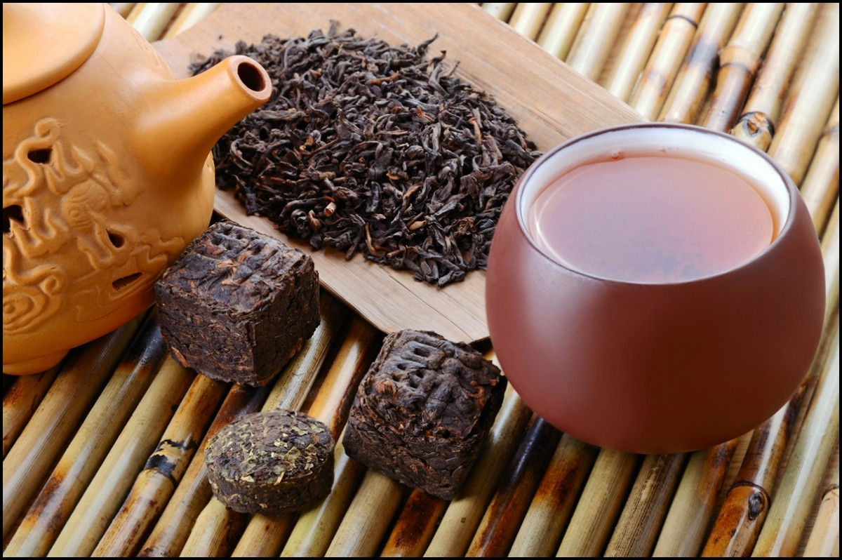 Chinese-black-pu-erh-tea-and-tea-leaves