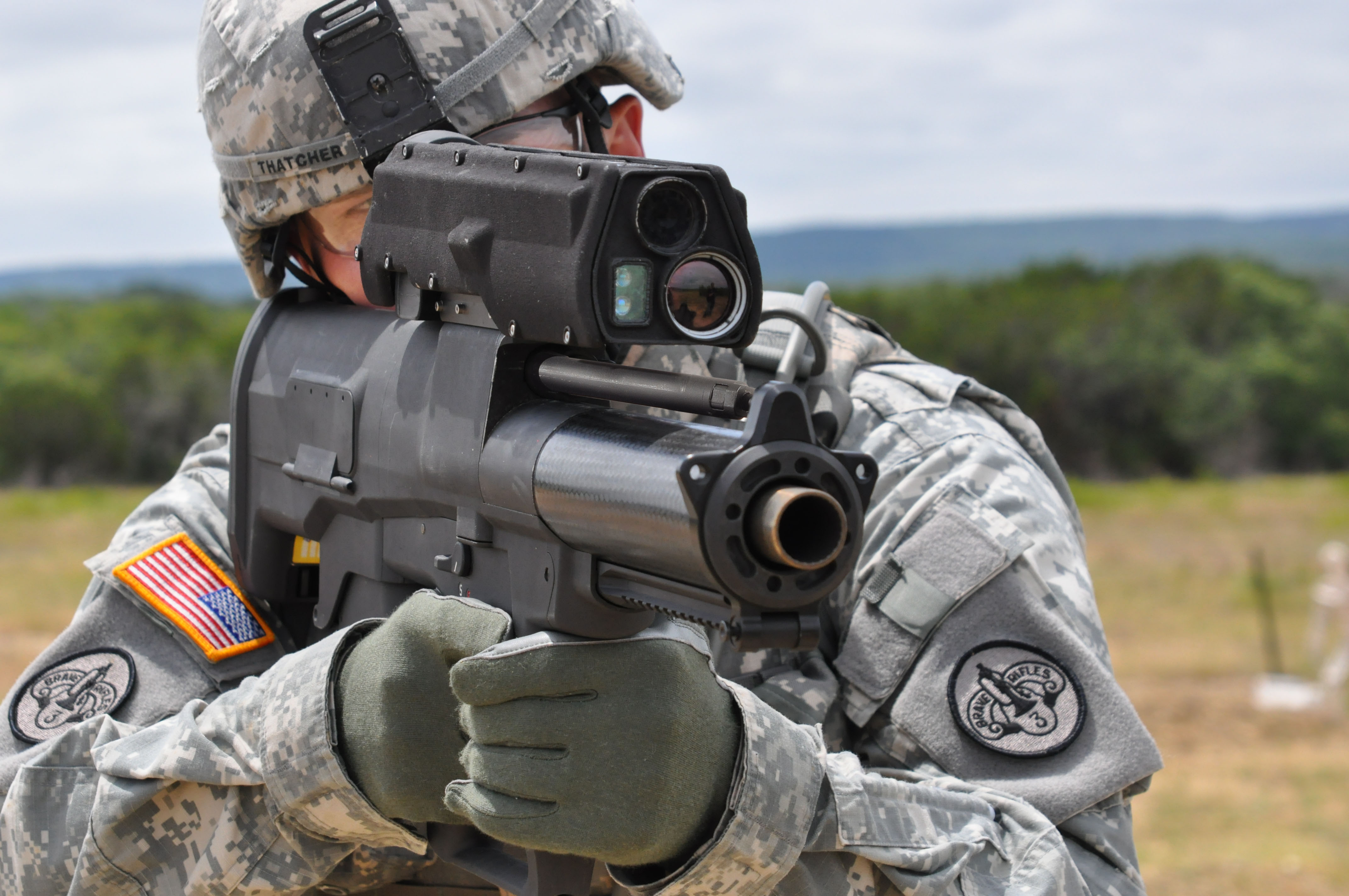 Flickr_-_The_U.S._Army_-_Testing_the_new_XM-25_weapon_system