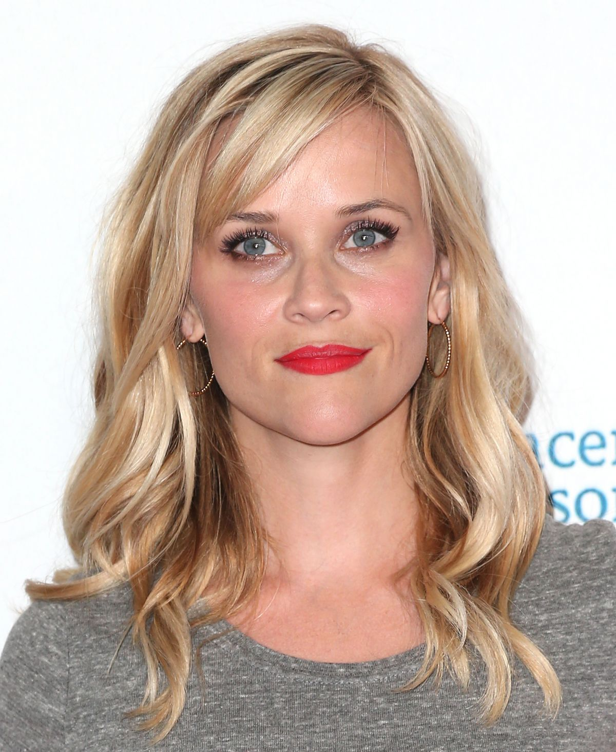 reese-witherspoon-at-4th-annual-stand-up-2-cancer-live-benefit_1