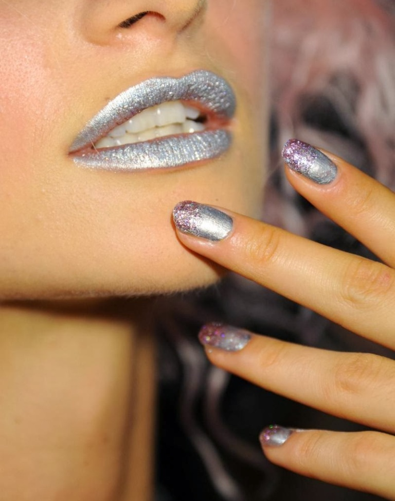 metallic nails (1)