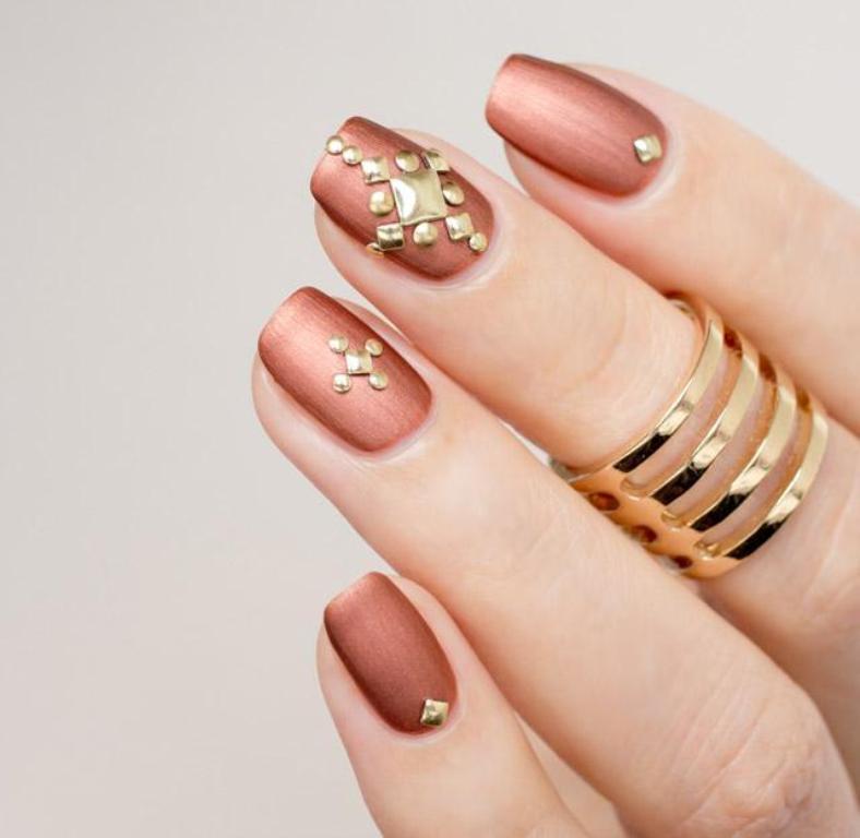 metallic nails (3)