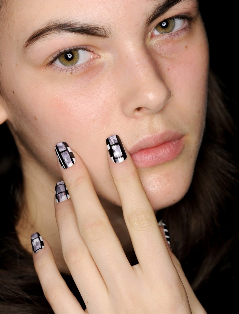 Top 10 Hottest Nail Polish Trends 2016