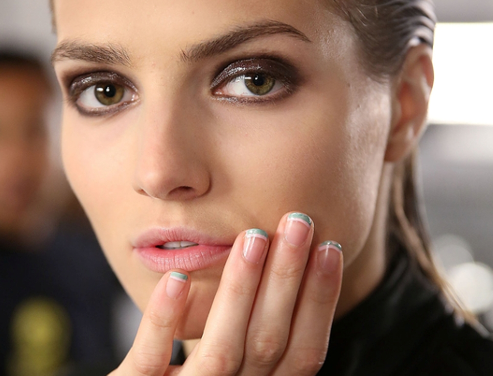 short and rounded nails (3)