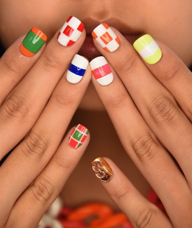 striped nails (5)