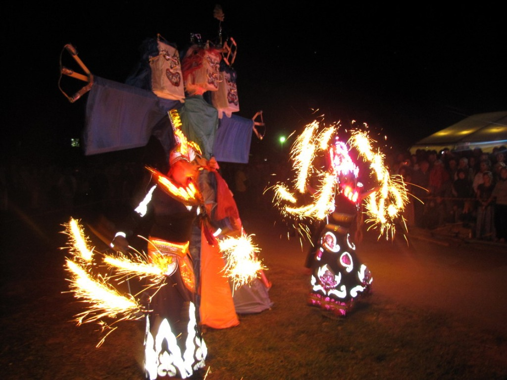 burning scarecrows (2)