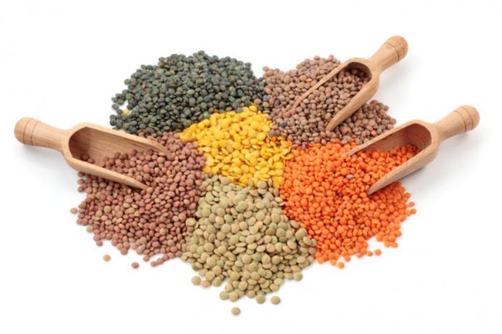 eating lentils