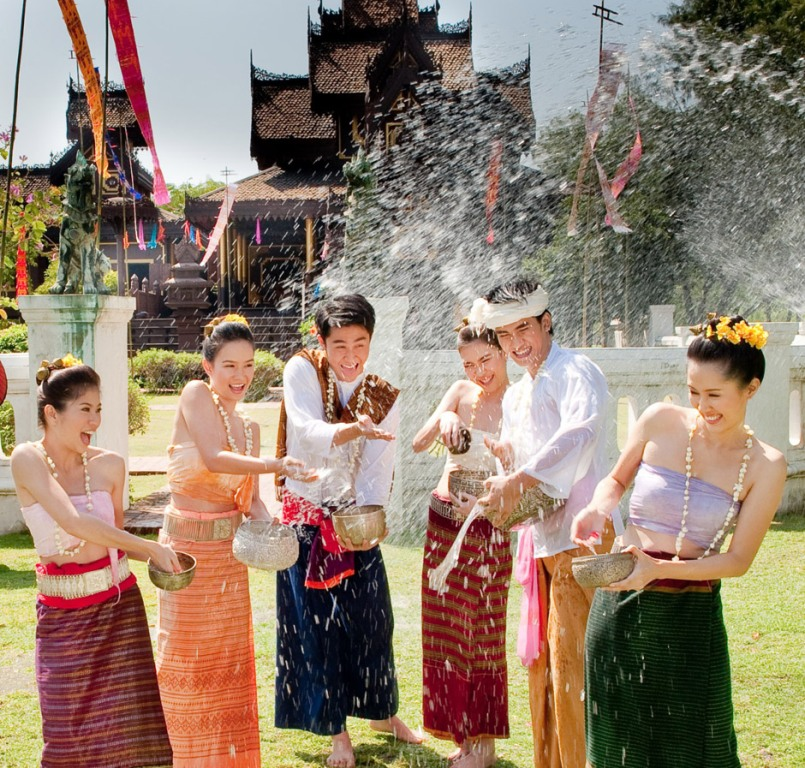 throwing water at others in Thailand