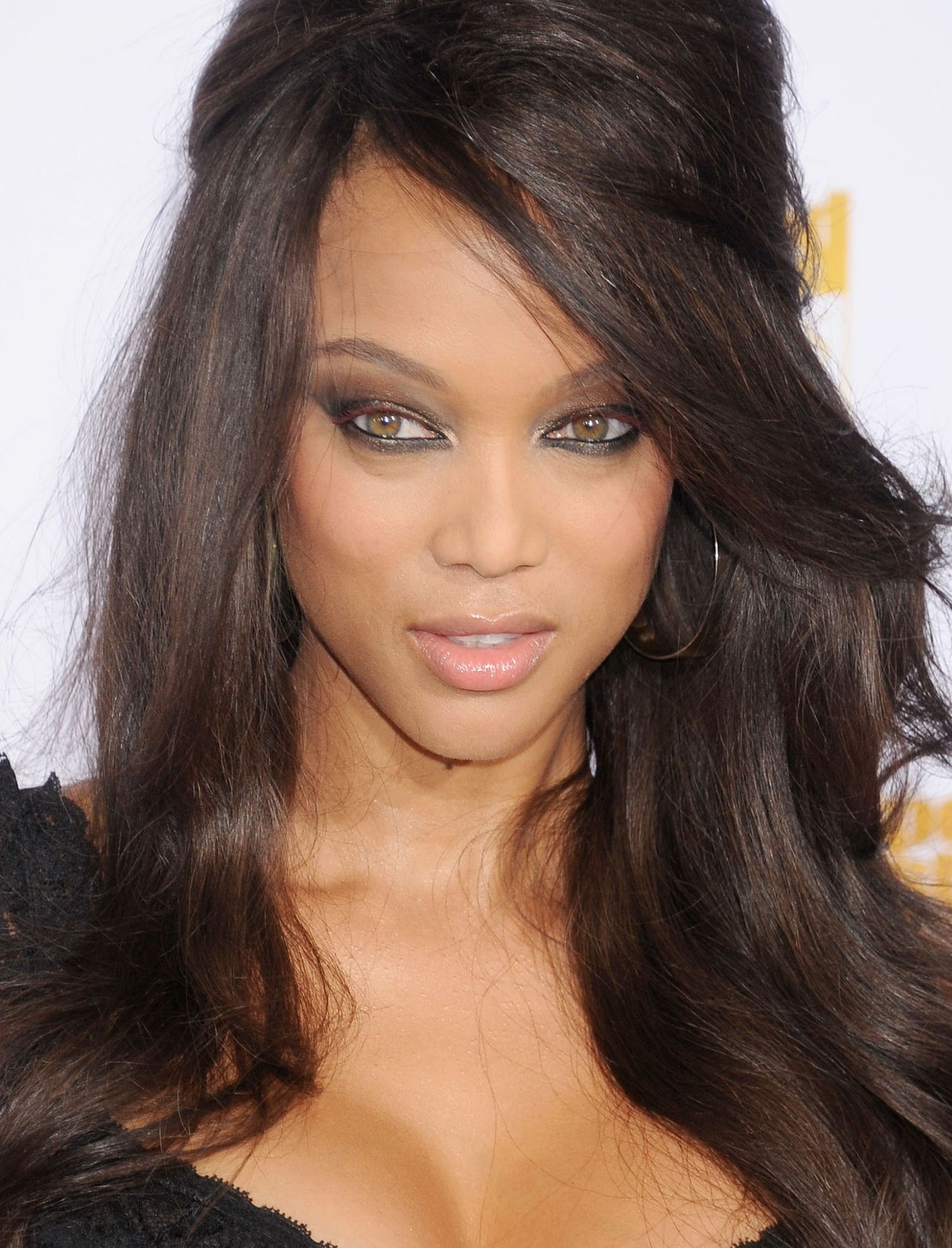 tyra-banks-eye-makeup-main