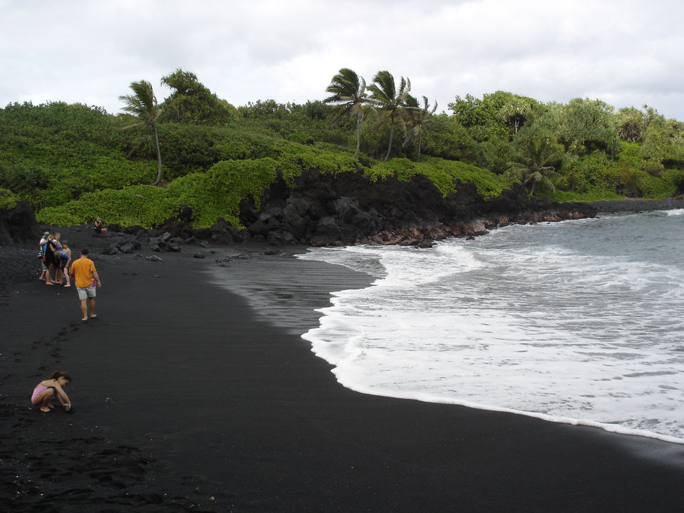 Black-Sand-Beaches-4