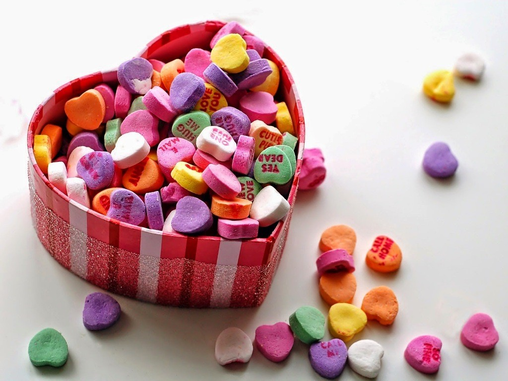 Hide romantic messages with candy and chocolate