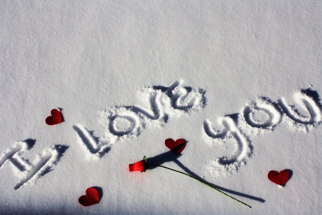 I Love You on snow (1)