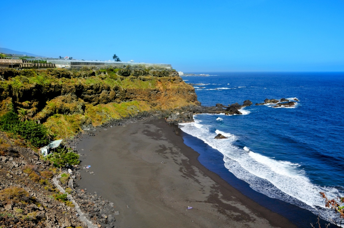 tenerifes-beautiful-beaches-a-view-of-volcanic-bollullo-beach-in-tenerife-canary-islands-spain-788-4cdd