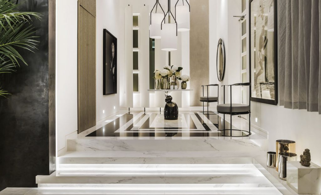 Kelly Hoppen Couture Entrance
