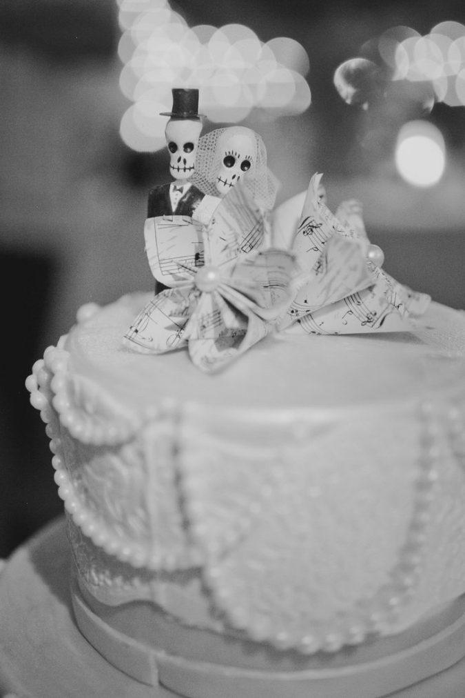 Skeleton Couple1