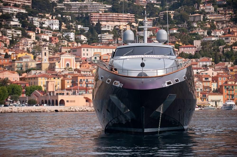 Baglietto yacht Roberto Cavalli (RC) at anchor in Rade de Villefranche