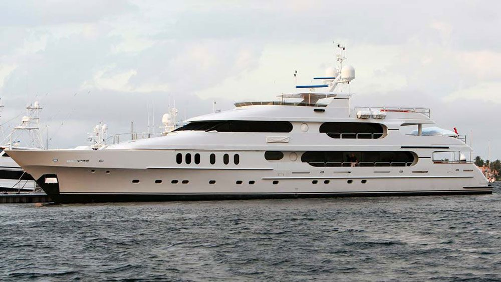 tiger-woods-privacy-luxury-yacht-for-sale-4