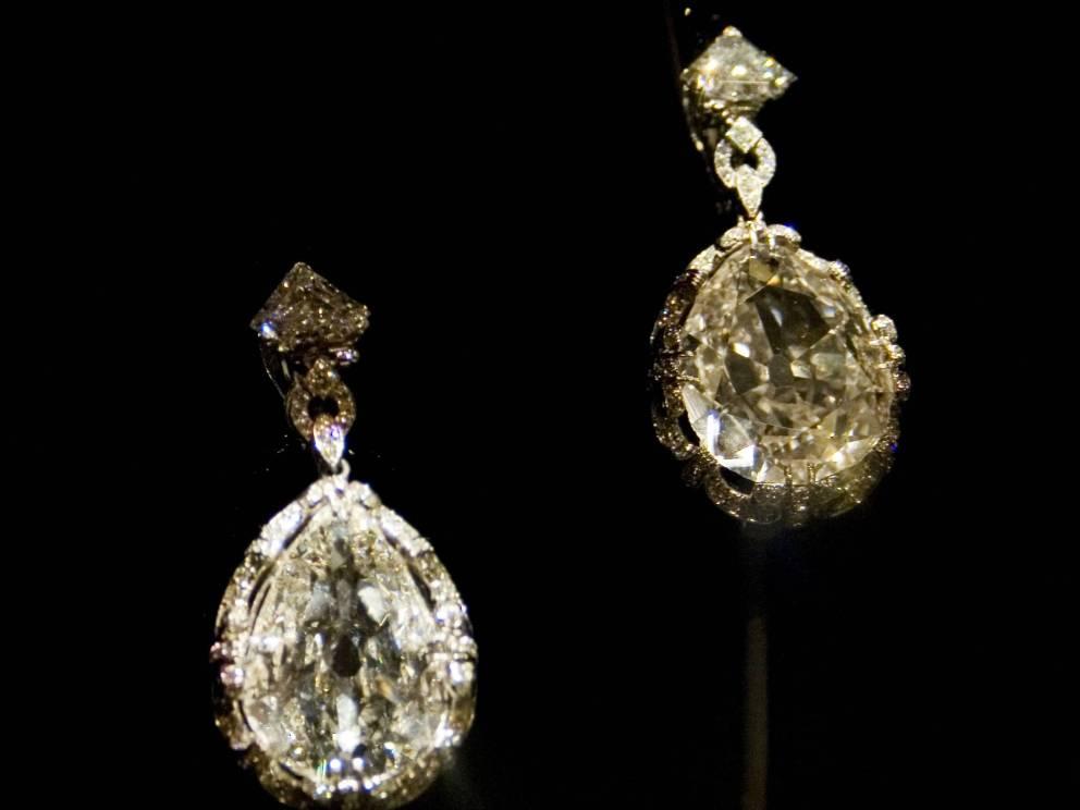 marie-antoinette-diamond-earrings2